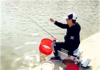 """《赤鬼小彤黑坑日記》第二季04集 小彤黑坑""""復仇""""之行"""