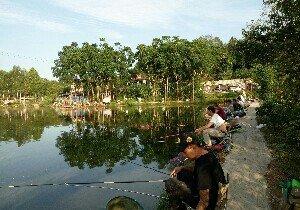 利佳养殖钓鱼塘