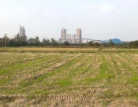 水泥厂附近的河沟!