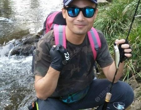 溪流解锁新鱼种 金属饵饵料钓马口鱼