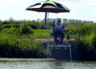 《钩尖江湖》第三季 第26集 小鱼闹窝钓浮受阻 改变钓法能否成功上鱼