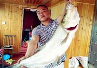 那些釣友去年釣上的巨物 高清圖片