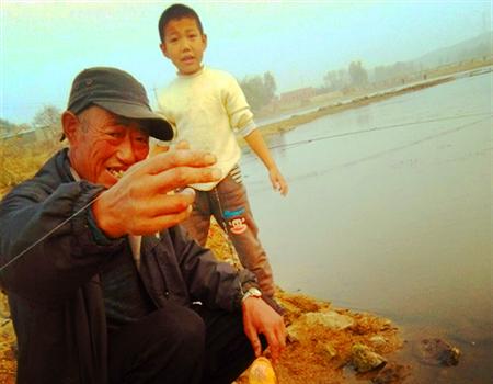 开春第一钓,放生必须的! 蚯蚓饵料钓鲤鱼