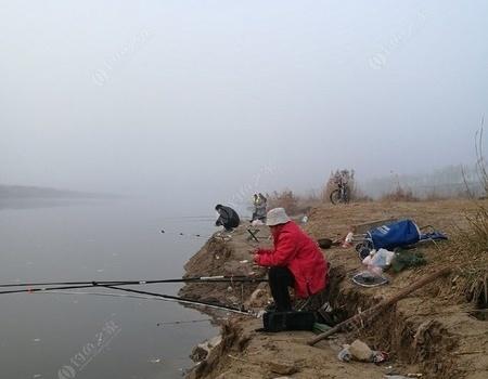 渭河岸边又度过了一天。