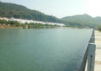 银花丹江河