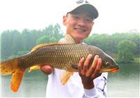 垂钓渔获图片精选 美女筏钓中巨鲶