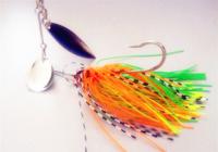 钓黑鱼拟饵的选择与实战技巧