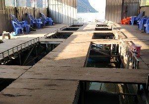 羚羊峡筏钓棚
